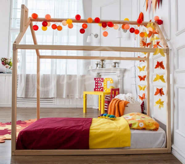 lit Montessori Sweet Home from Wood